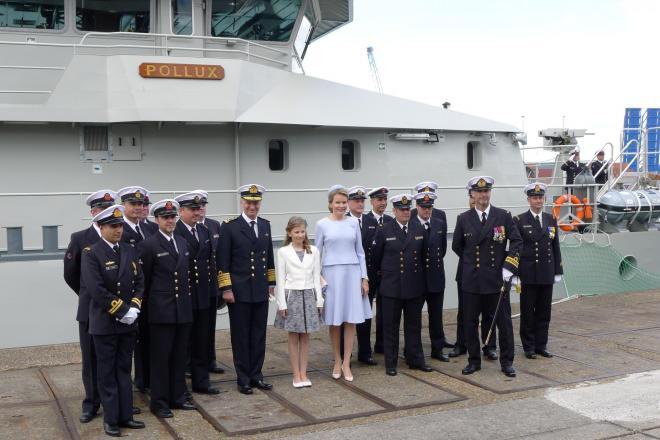 Prinses Elizabeth en Koningin Mathilde samen met de marine voor de Pollux