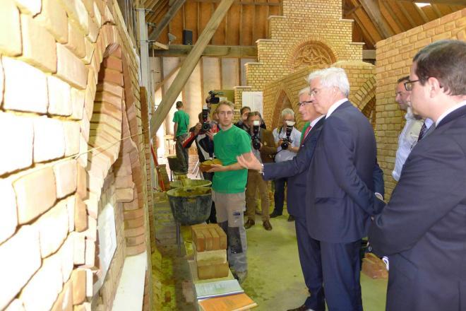bezoek minister-president Bourgeois aan VTI Brugge